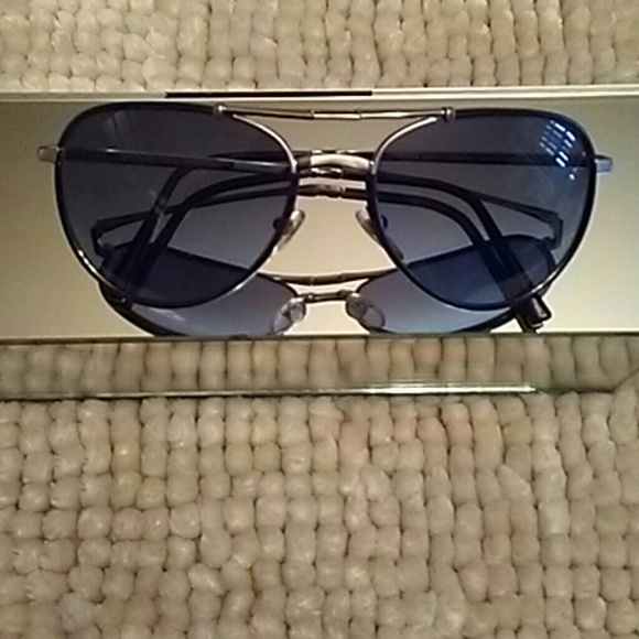 72947846cb4 Burberry Accessories - AUTHENTIC BURBERRY FOLDABLE SUNGLASSES